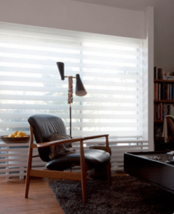Duorolgordijn wit in woonkamer