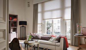 DUETTE gordijnen in woonkamer offwhite