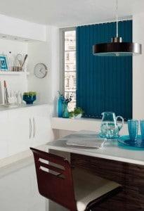 lamellen blauw in eetkamer