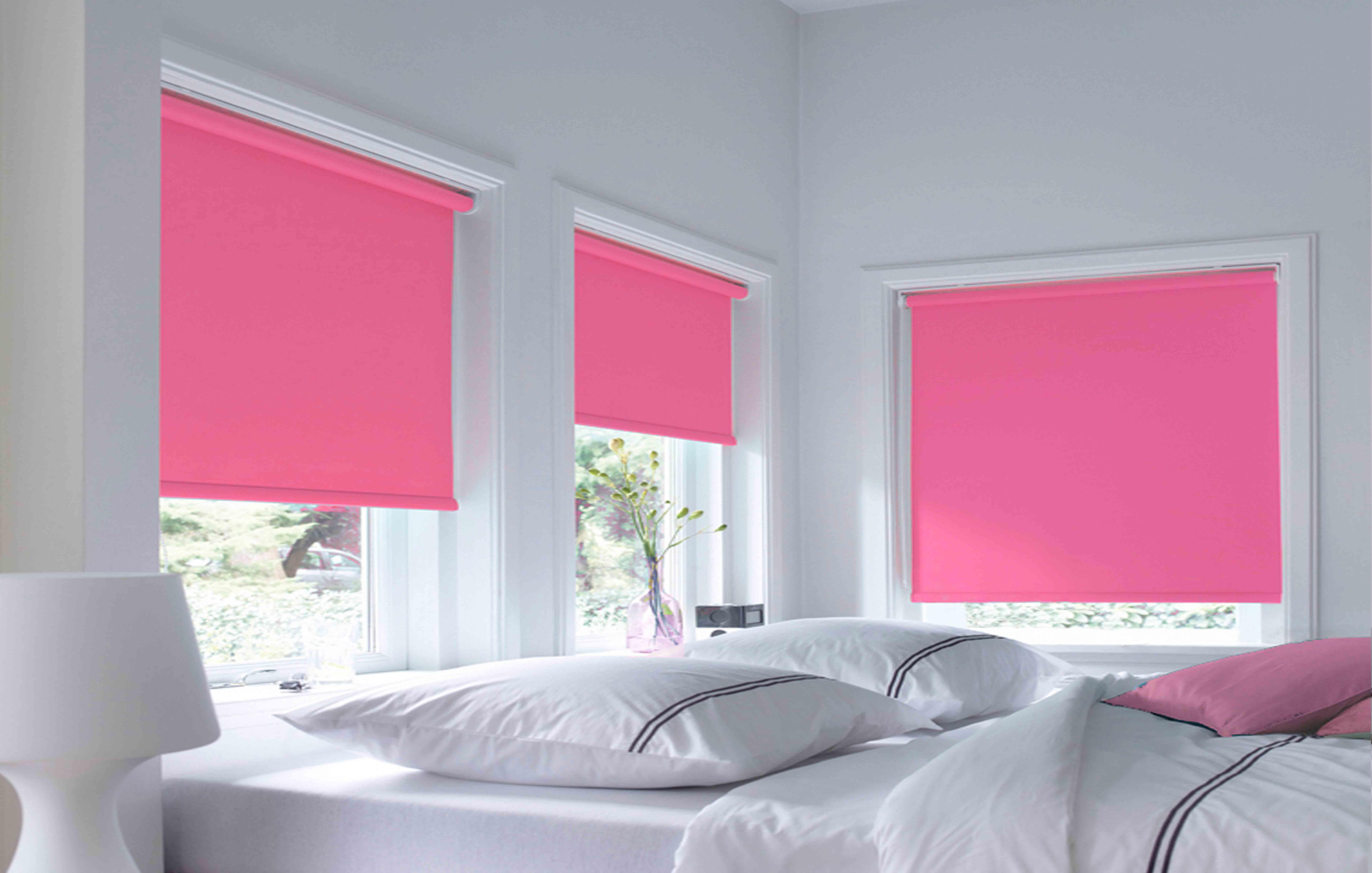 roze rolgordijn slaapkamer