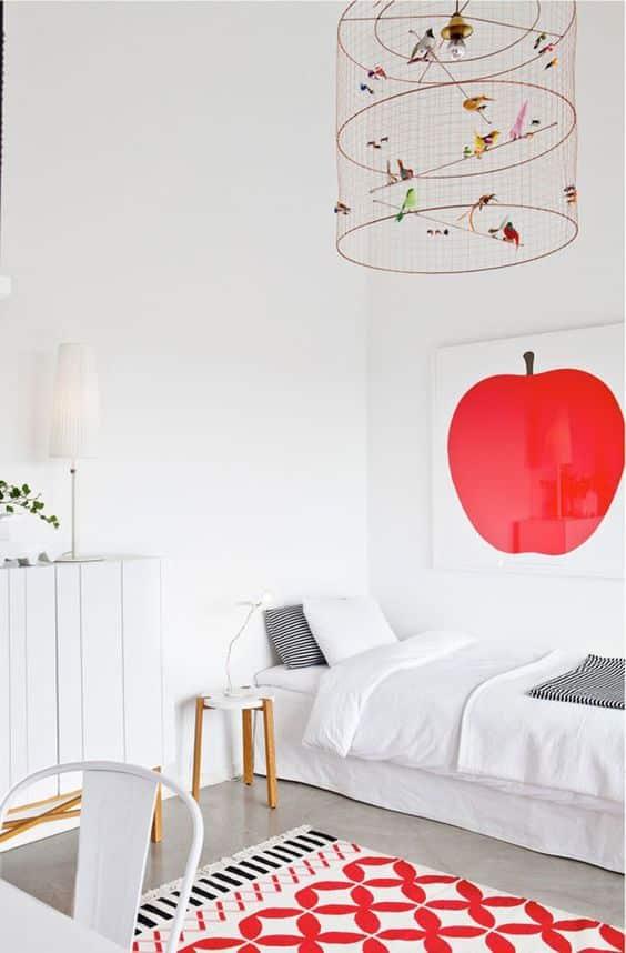 Rode accessoires in huis