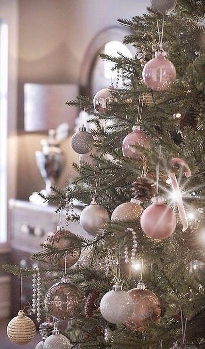 Kerstboom met mooie pasteltinten