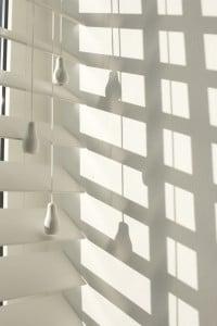 Lichtinval houten jaloezieen wit